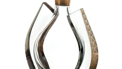 Fenix Whiskey Decanter with Gold Details