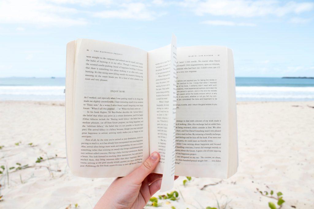 shop-summer-items-summer-reading