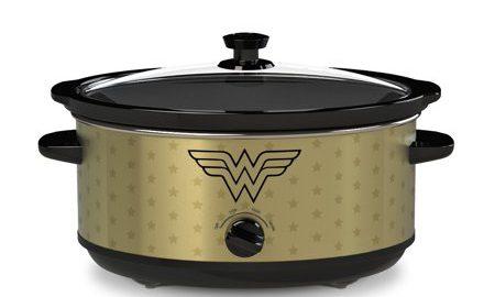 Wonder Woman 7-Quart Slow Cooker